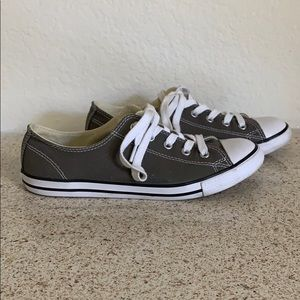 Dainty Converse Low Tops